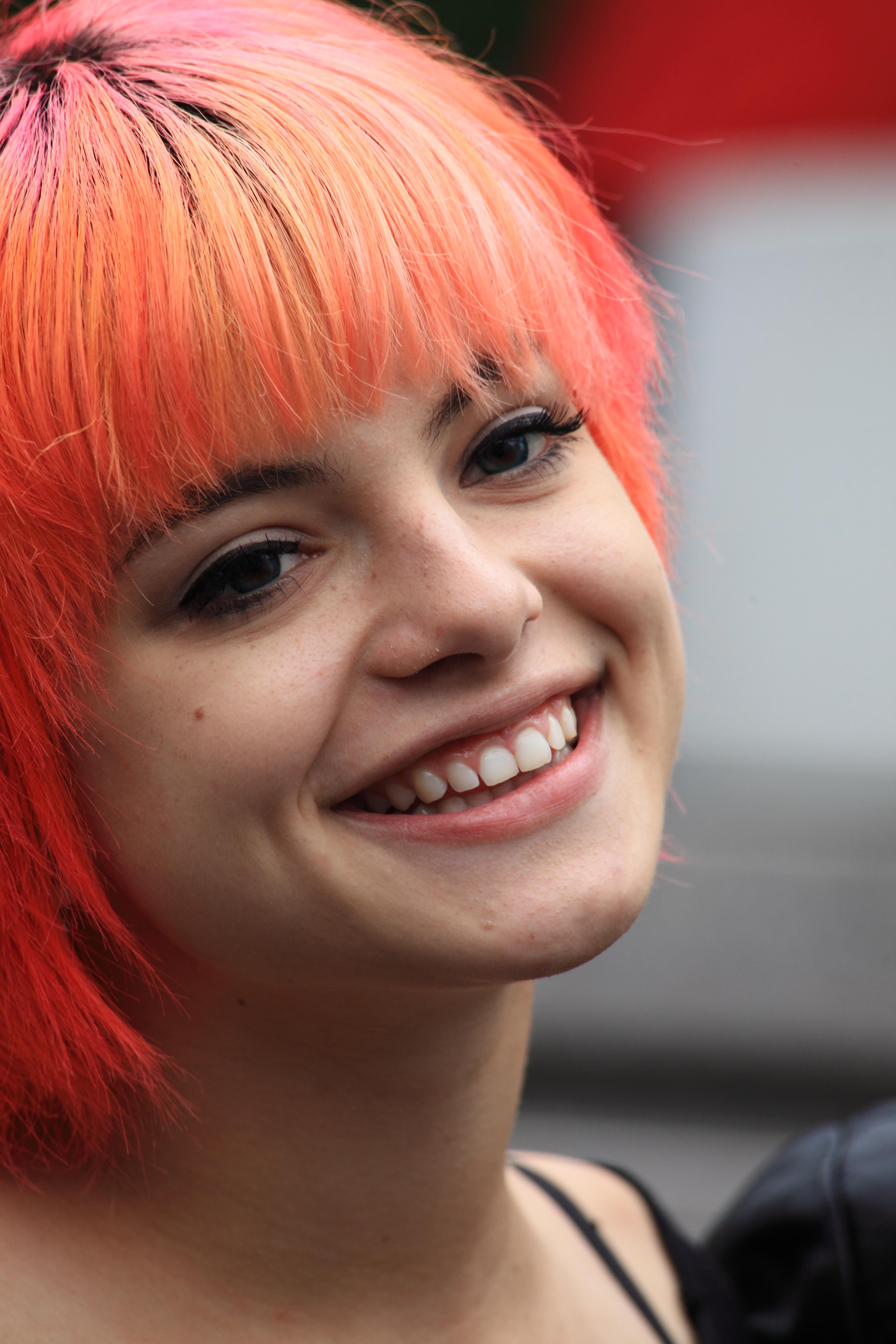 Nia Lovelis. Drummer Hey Violet