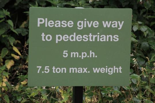Pedestrians max weight 7.5 tons