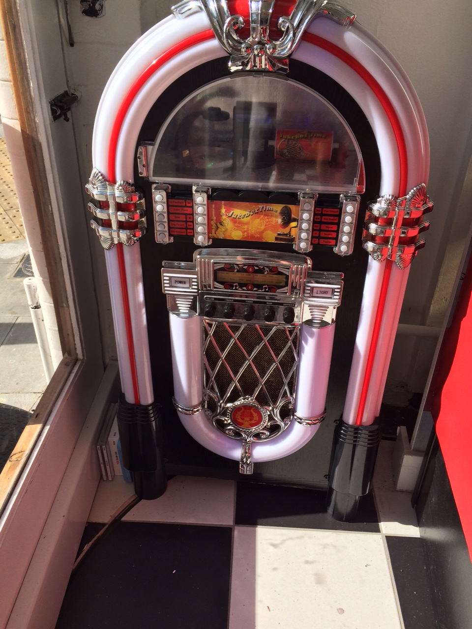 jukebox at waffle jacks