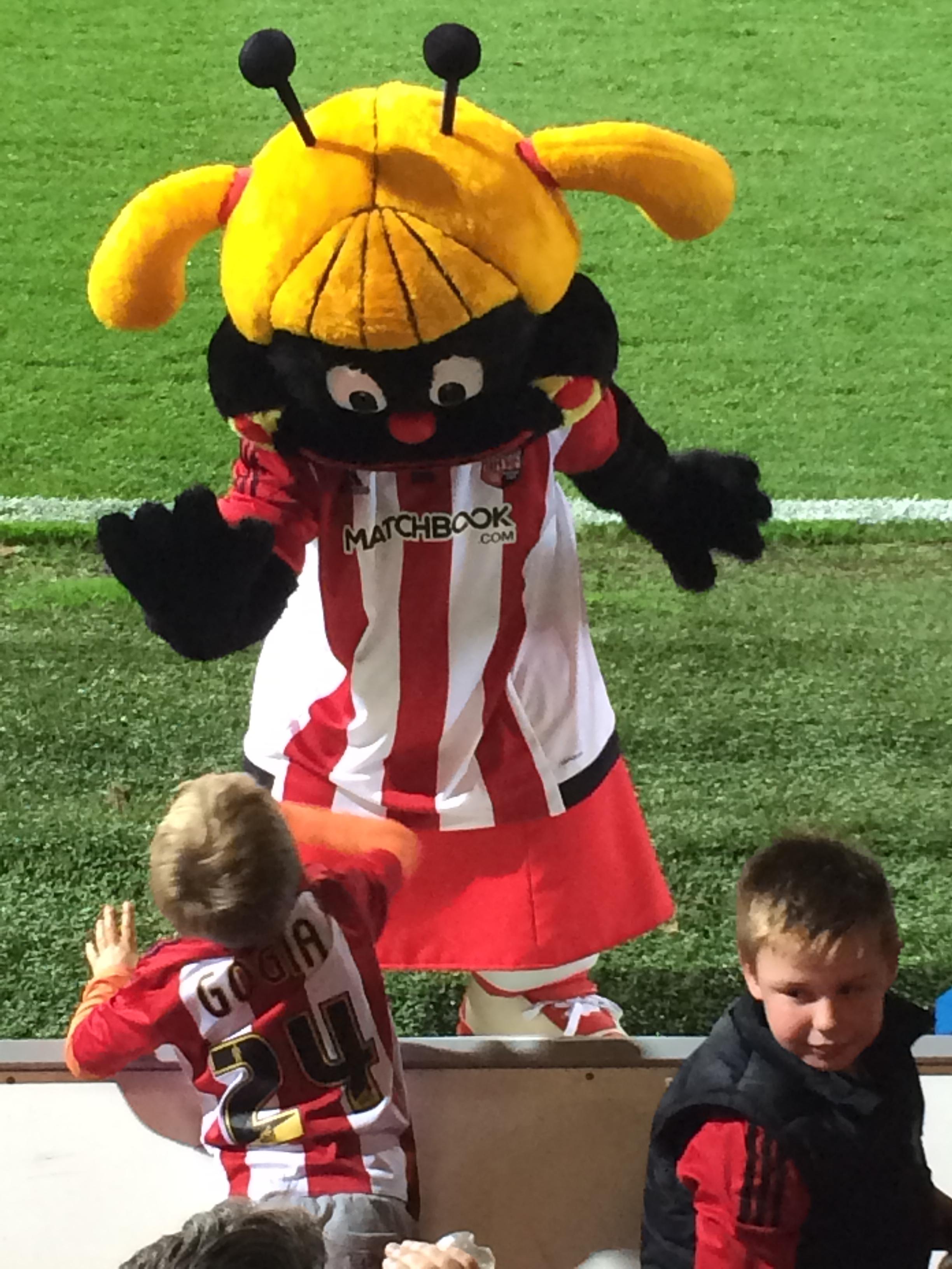 Buzzette Bee